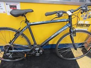 Vélo Hybride de marque ROCKY MOUNTAIN