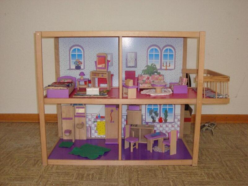 puppenhaus mit kompletter einrichtung in niedersachsen. Black Bedroom Furniture Sets. Home Design Ideas