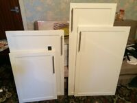 White Kitchen unit doors with handles and hinges excellent condition