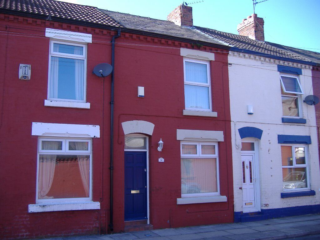 Three bed refurbished Student / professional house to let in Lawrence Grove L15 - Inclusive of bills