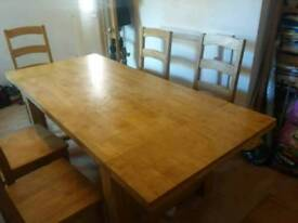 Extending Wood (Oak) Dining Table and 6 Chairs