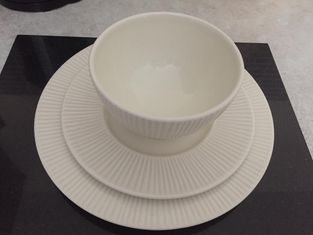 Cream dinner plate set side plates and bowls