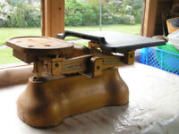 Large Vintage Avery Cast Iron Grocers Scales & Imperial Weights + Salter imperial weight set