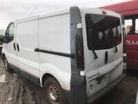 Vauxhall vivaro 2.5 cdti Breaking rear doors wheels bumper bonnet ecu kit seats head lights