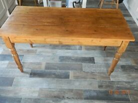 3 Plank Waxed Antique table.1460 x 660 £75 ono