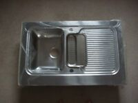 Stainless steel sing with double drainer, left or right handed