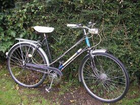 ladies vintage raleigh 21 in frame,3 speed,new tyres,runs well