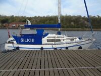 SEAL 28 FT YACHT reduced from £12500 to £9950 open to offers or part ex car similar value