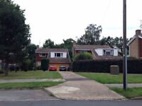 EXTRA LARGE BEDSIT/STUDIO TYPE DOUBLE ROOM TO RENT IN POUND HILL, CRAWLEY