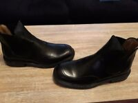 Brand new in box mens chelsea boots size 9