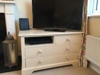 Gorgeous shabby chic TV unit