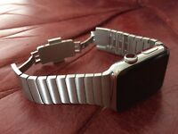 APPLE WATCH STAINLESS STEEL CASE WITH STAINLESS STEEL LINK BRACELET (42MM)