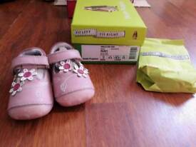 Hush puppies Infant size 2.5