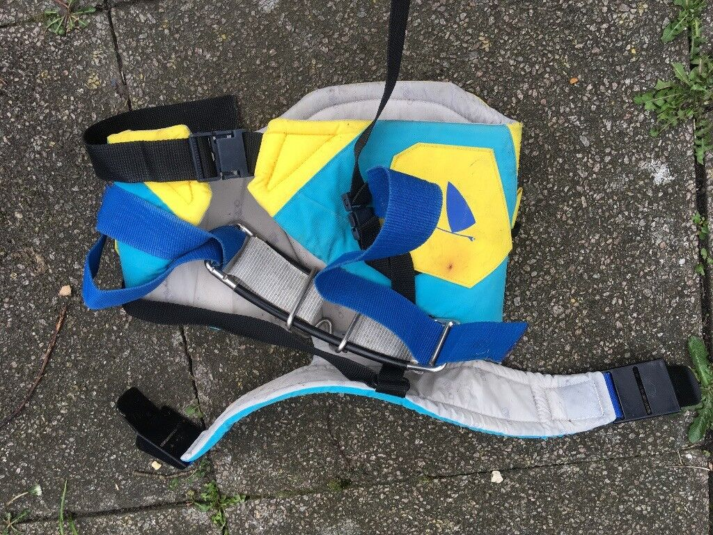 Nappy style windsurfing harness