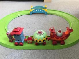 AMAZING Nonk & track toy