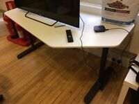 WHITE 5 SIDED DESK - OFFICE SETUP? LOTS AVAILABLE