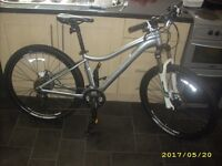 Trek Mynx High Spec Ladies Girls Female Mountain Bike £600 New Hardly Ridden Hyd Brakes L/Out Forks