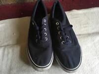 Cedarwood men's trainers size 10/44 used £4