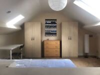 STUNNING DOUBLE ROOM FOR SINGLE USE IN VERY CLEAN HOUSE AVAILABLE NOW