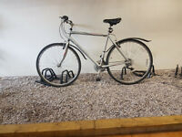 "Raleigh venture hybrid bike 21"" frame."