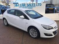 VAUXHALL ASTRA 1.6 EXCITE 5d 113 BHP A GREAT EXAMPLE INSIDE AND OUT (white) 2015