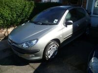 PEUGEOT 206 1.4, 2004 REG, FULL MOT, LOW MILEAGE, TOP SPEC WITH CD PLAYER & CLIMATE CONTROL