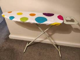 Small collapsible ironing board