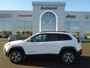 2016 Jeep Cherokee TRAILHAWK 4X4 0%/84mo MSRP $47,250 FULL FACTO