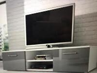 TV MOUNT OR TV STAND