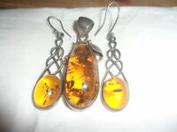 amber pendant and earrings