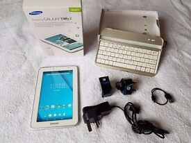 Samsung Galaxy Tab 2 7 inch Tablet with Bluetooth Keyboard. Fantastic condition for Christmas xmas