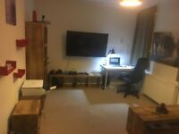 URGENT. Furnished Flat to rent on the 13th January, 15' minutes walk from Centre
