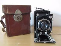 vintage German plate and roll film camera with case