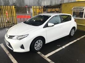 Toyota Auris 1.4D White (LOW MILEAGE)