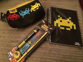 Space invaders Stationery