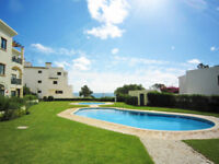 Christmas in Albufeira, sea view, 2 swimming pool, 2 bedrooms, garden, barbecue, beach and parking