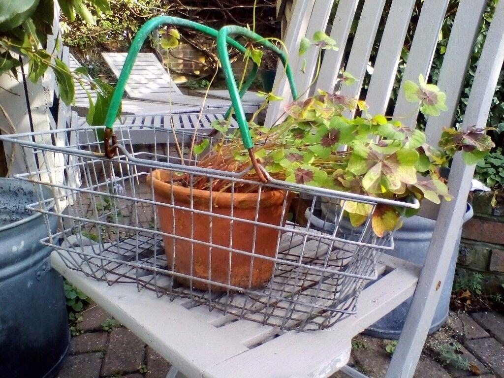 Vintage 60 70s galvanised metal wire grocery shopping display storage log towel magazine rack basket