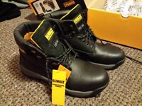 De Walt Apprentice (black) safety boots size 7 - brand new!