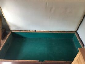 FREE Antique daybed - collection from Tooting