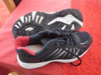 Men's trainers, size 9, as new