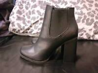 New Look Black Ankle Boots (Size 6)