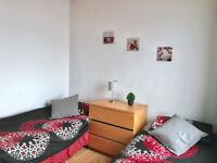 Large double/twin room in Darlaston bills inclusive of rent NO DEPSIT