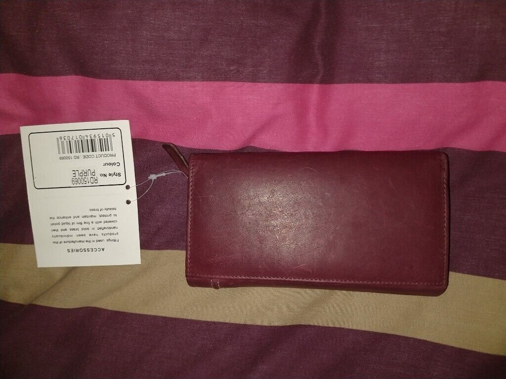 3a91712f2cca Leather Purse