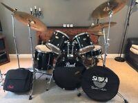 Pearl 5 Piece Drum Kit w/ 4 Zildjian Cymbals & Various Accessories   BRILLIANT CONDITION