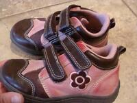Brown/Pink shoes - size 9 - BRAND NEW