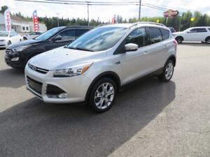 2015 Ford Escape Titanium AWD, NAVI, SELF PARK!