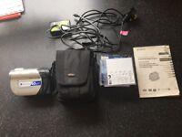 Handycam Sony Digital Video Camera Recorder DCR-DVD 106E