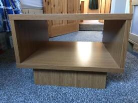 Oak effect cube table