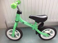 """10"""" Avigo Green Balance Bike"""
