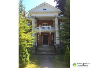 $1,500,000 - 3 Storey for sale in Collingwood Oakville / Halton Region Toronto (GTA) image 1